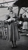 Alison Redgrave about to board the SS Rangitoto 1954.jpg